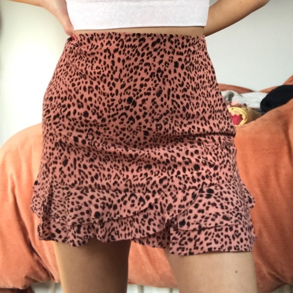 Francesca's Collections Dresses & Skirts - Adorable Cheetah Print Pileated Skirt! NWT